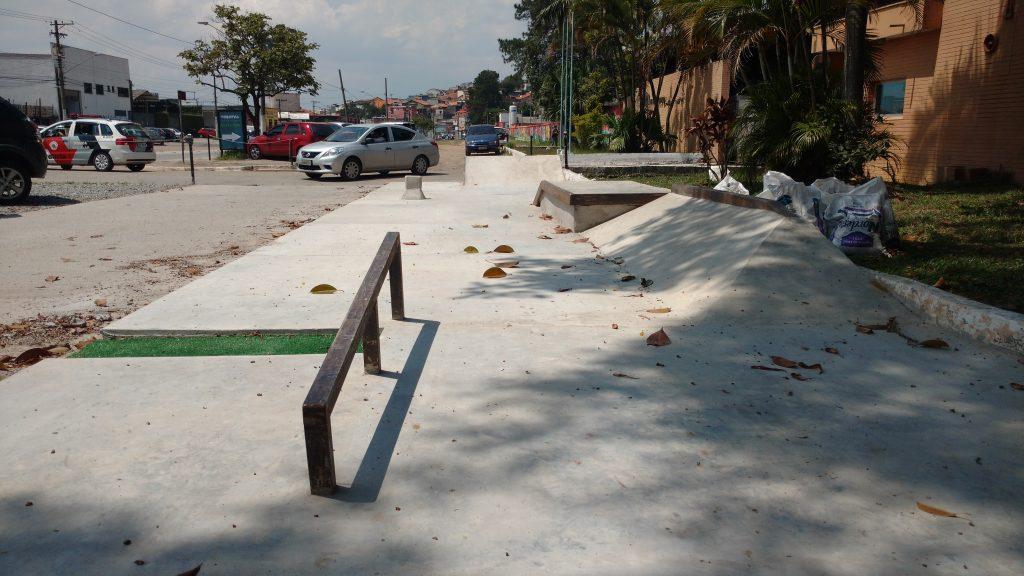 Pista pequena da modalidade street em SP por Lanfer.Arq